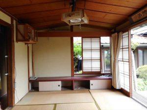 庭園前の茶室