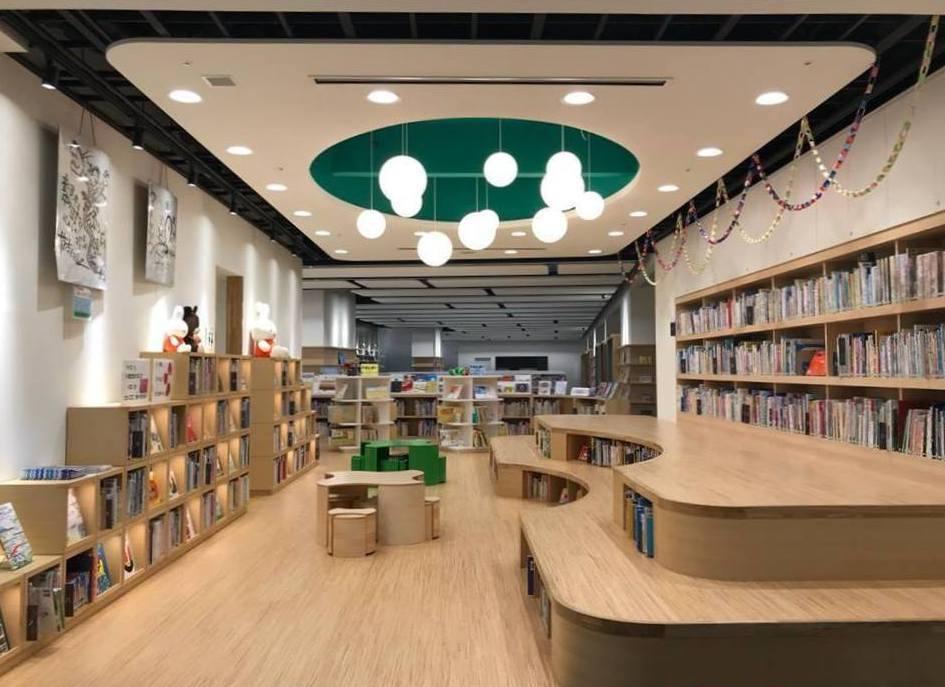 新見図書館3F絵本コーナー
