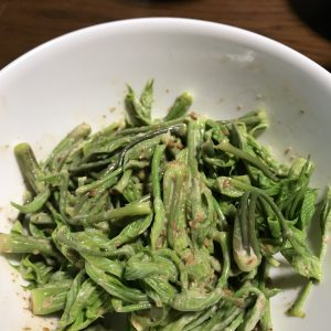 山菜胡麻和え