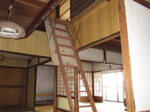 129収納式階段
