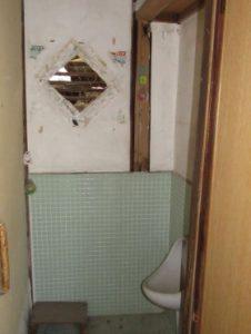 129男子トイレ